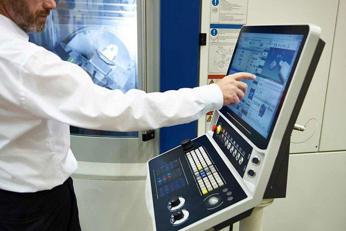 Wady i zalety maszyn cnc stosowanych w przemyśle