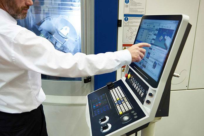 Jak maszyny CNC zmieniły się na przestrzeni lat